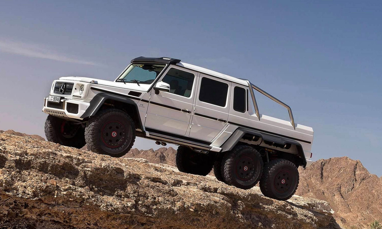 O que faria com este Jeep de tração às seis rodas?