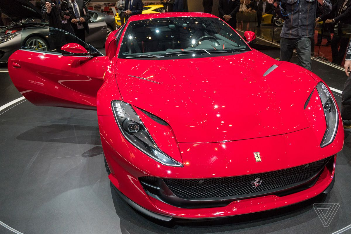 Novo híbrido da Ferrari chega até final deste mês