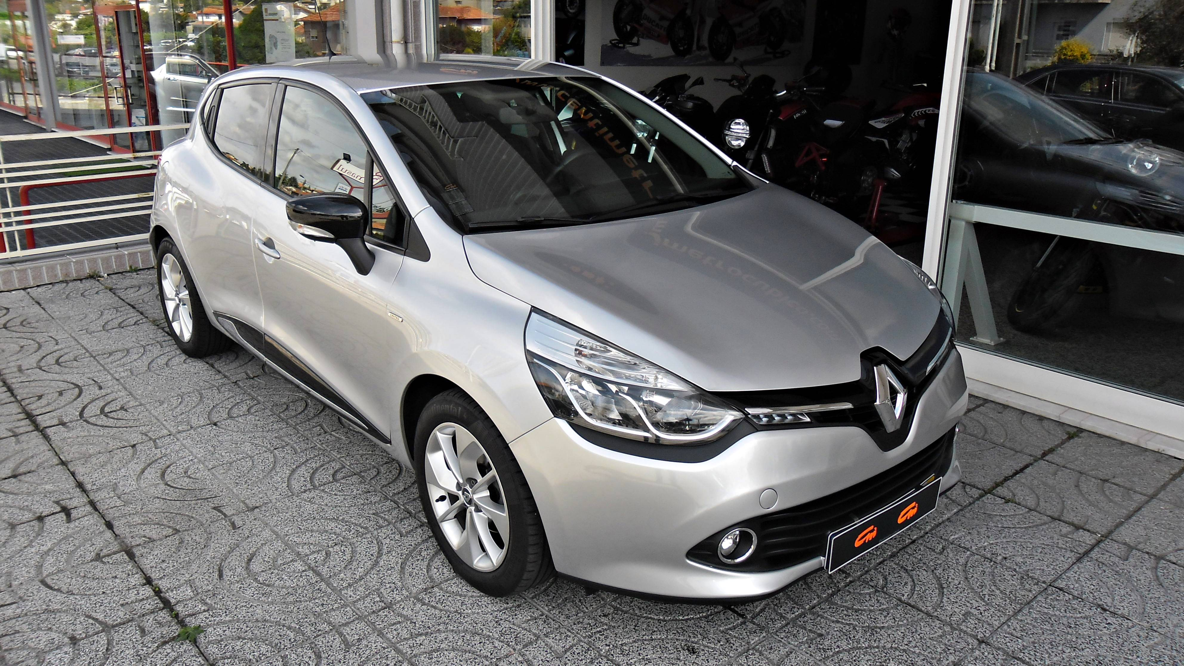 Renault Clio TCE Limited